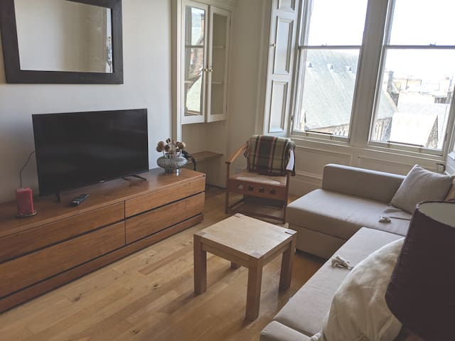 Spacious apartment in a great family area