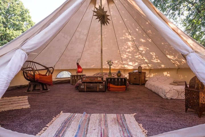 Unique Glamping Tent with homemade breakfast