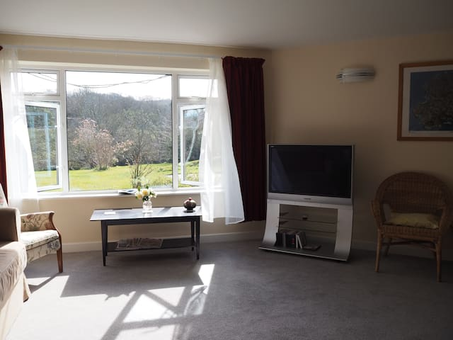 Beautiful Idless Valley Apartment - Truro - Appartement