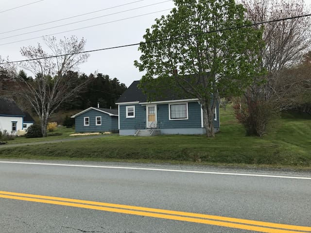 Ahoy Matey - West Lahave - Dog friendly home
