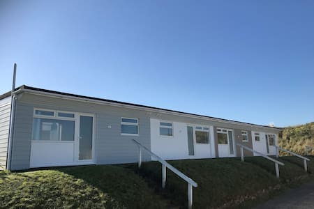 Beachside Holiday Park, Apartments by the sea.