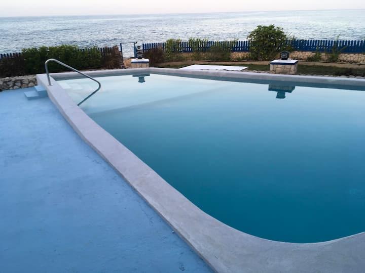 Blue sky villa,Luxury Ocean front house