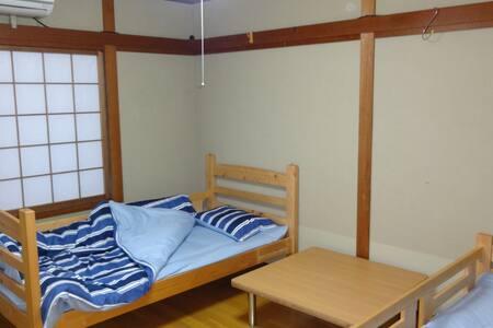 【米子駅近】とみ家2号室!人気海鮮居酒屋の2階の旅館が復活しました!
