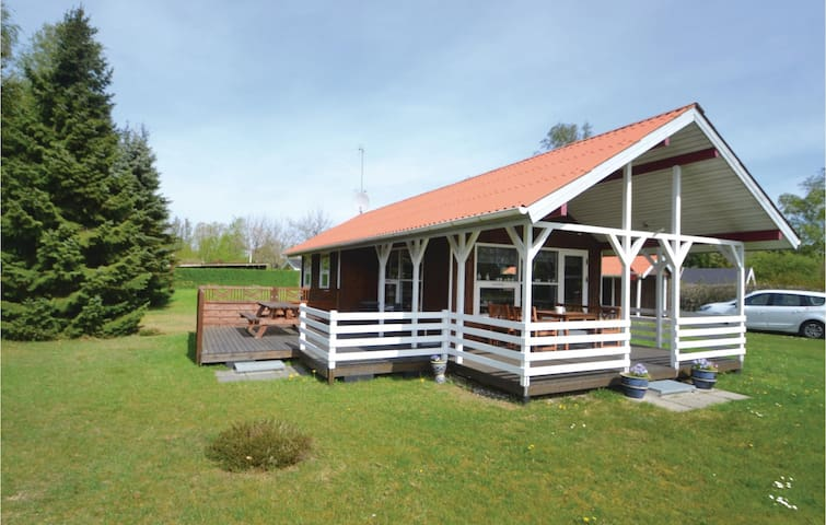 Holiday cottage with 2 bedrooms on 45 m² in Ørsted