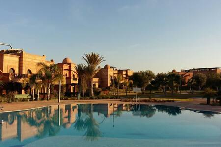 Beau Riad ds la palmeraie  Marrakec - km 5.400 route de fez - Wohnung