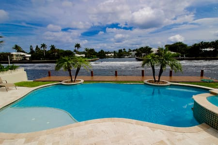 Gorgeous Intracoastal Canal Villa! - Delray Beach
