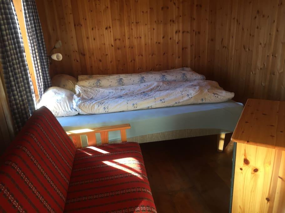 Et av syv soverom, dette med dobbeltseng.