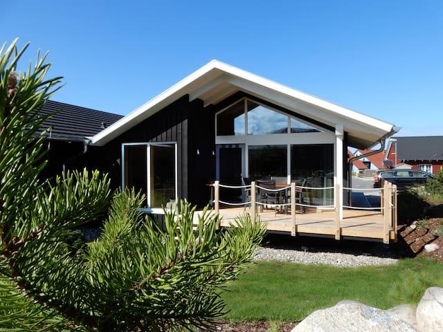 Schwarzes Holzferienhaus, 500m zum Ostsee Strand 6