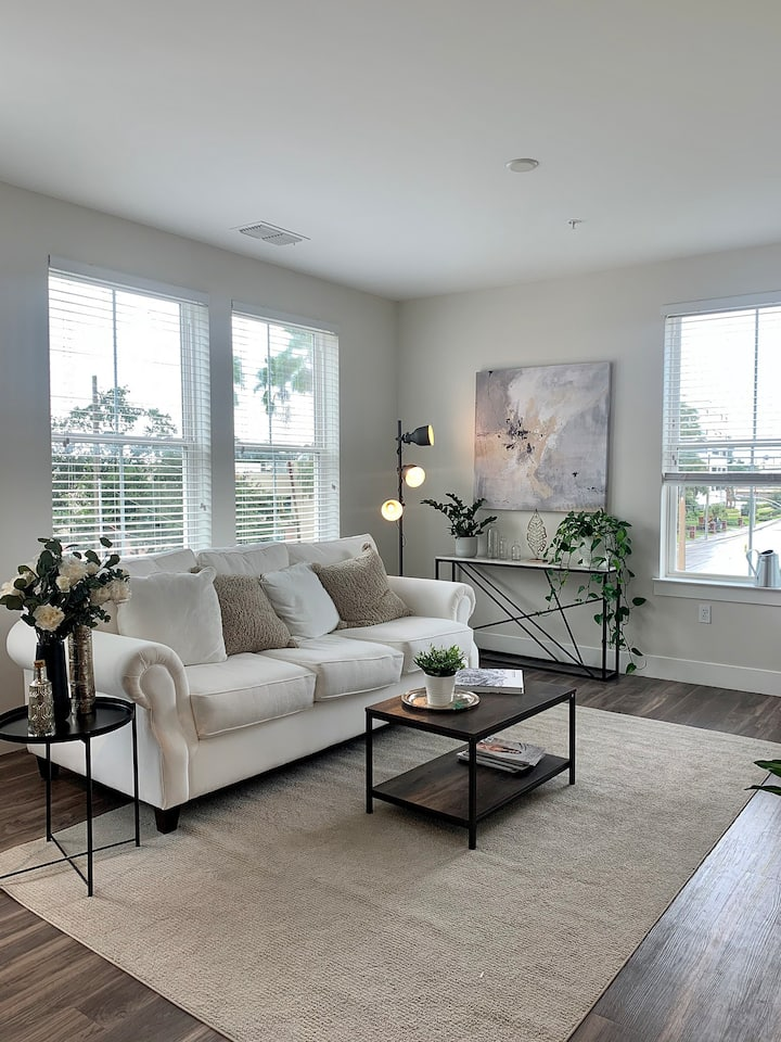 Luxury shared apartment 15 minutes from Universal