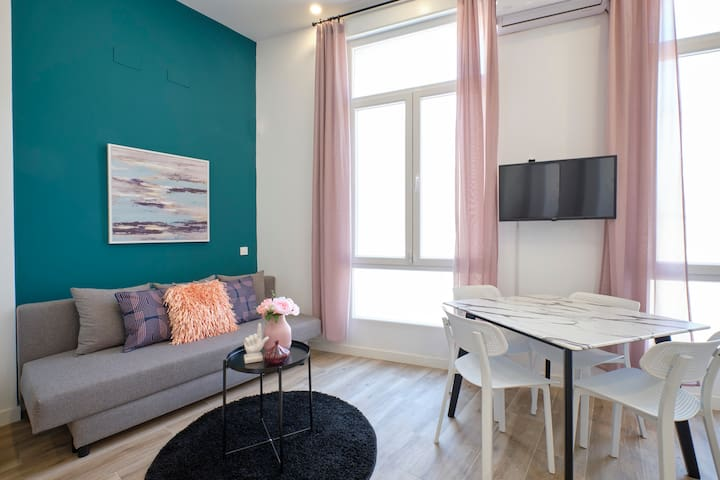 Wonderful Modern Studio