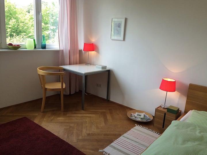 Separates Zimmer 2 in Düsseldorf
