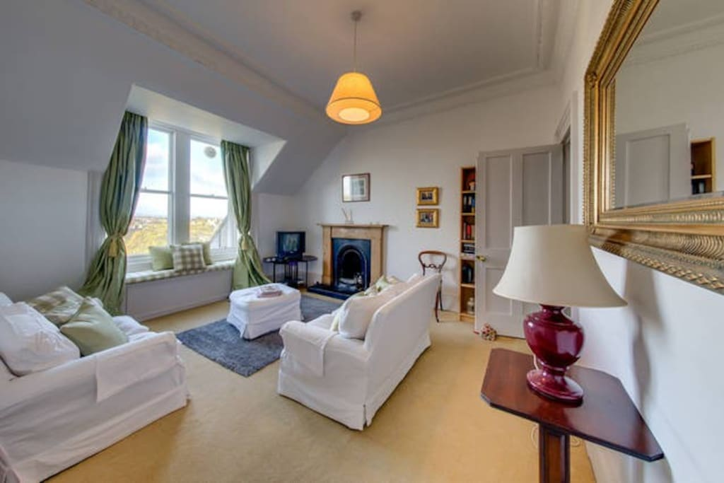 Spacious 3 Bed Apartment Royal Crescent New Town Flats For Rent In Edinburgh United Kingdom