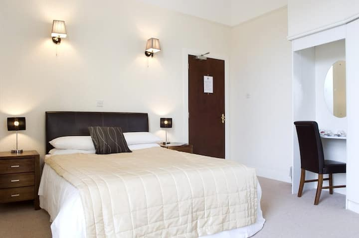 Luxury Double Ensuite in Boutique Guesthouse