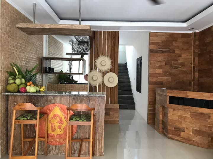 Rumah Nakula Cozy and great to stay,near the beach