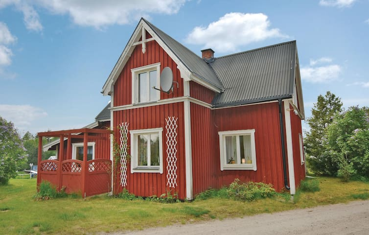 Holiday cottage with 2 bedrooms on 77 m² in Lysvik