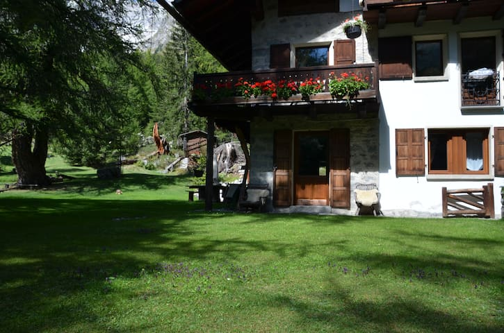 La casa nel bosco - Courmayeur - Apartment