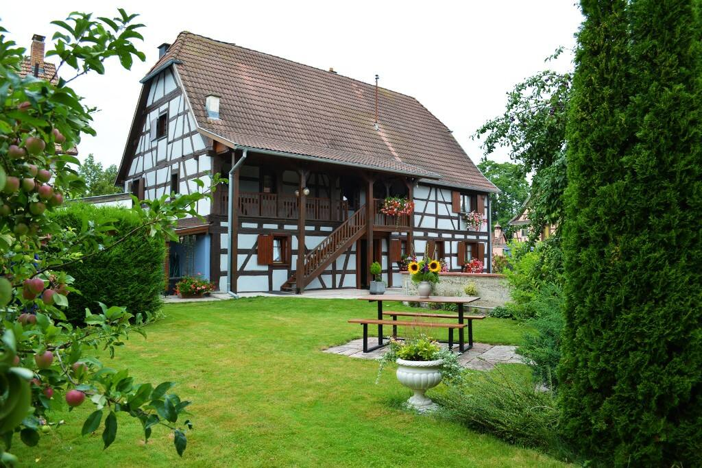 Gite du ried apartments for rent in jebsheim alsace for Beau jardin apartments st louis