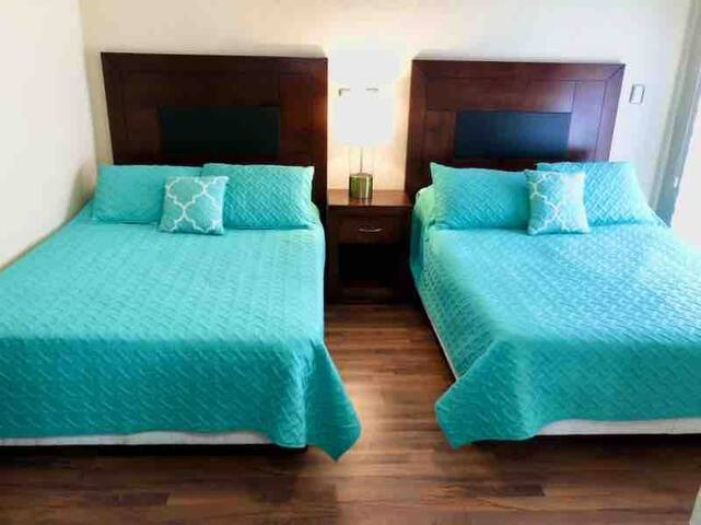 2 double full beds secondary room