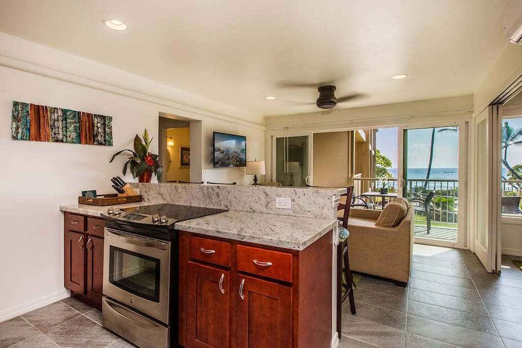 Granite Kitchen, Stainless Appliances and Breakfast Bar