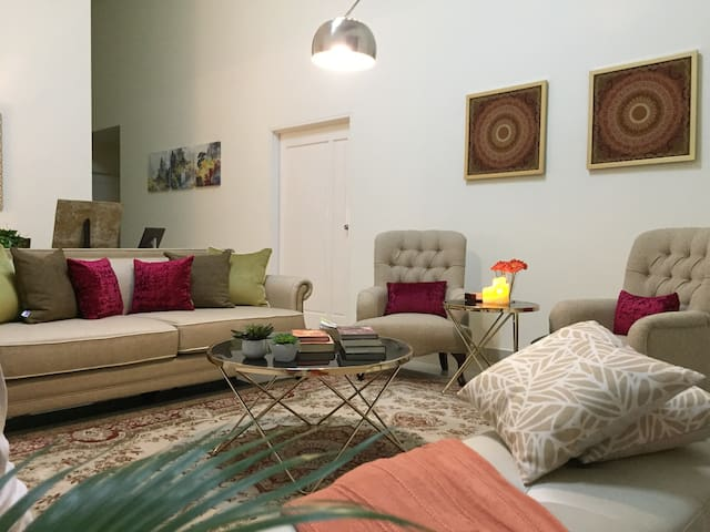 Villa KLIA/2,  Sepang Circuit, Tabung Haji, Nilai
