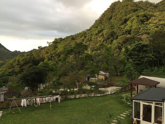 恬靜山林小屋