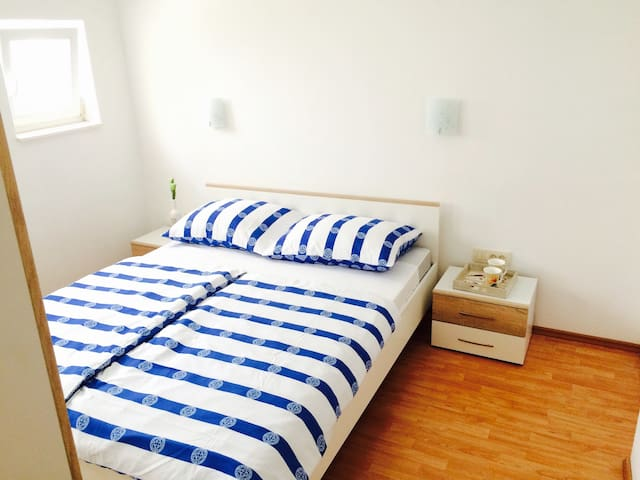 Top apartment at the beach! ️ - Seget Donji - Pis
