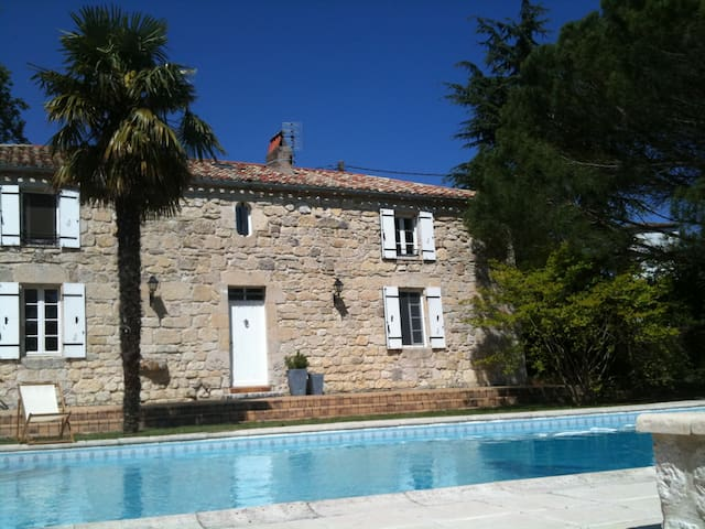 Demeure en pierres avec piscine - Villeneuve-sur-Lot - House