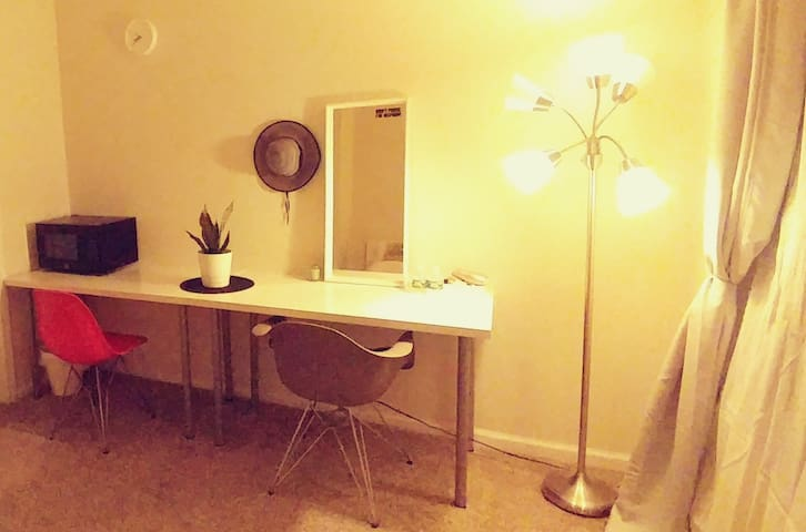 Stand light / 2 white desks with stylish chairs / Mirror / Microwave / Hair dryer
