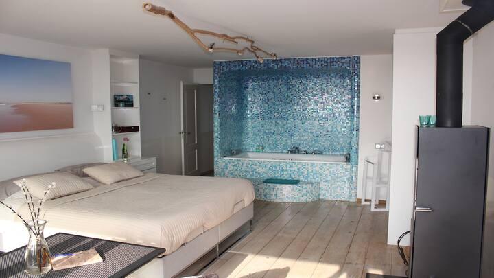 Privé appartement met uitzicht op zee