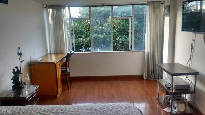 Private Bedroom at the heart of Bogotá
