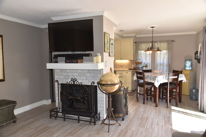 Roundtree Haven - Upscale Home Away from Home