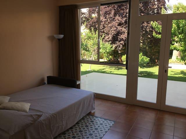Dormitorio 2, vista al exterior