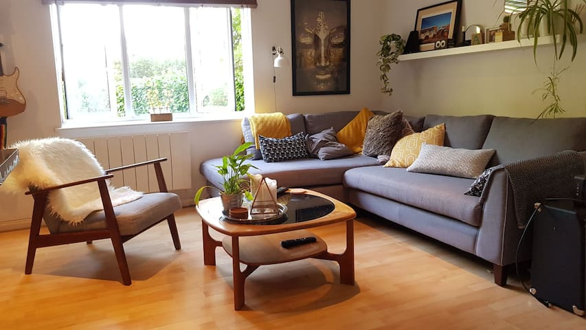Stunning peaceful apartment nr Bristol TempleMeads