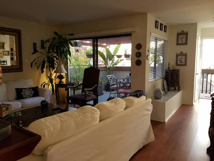 2BR 1 bath APT in HB, 2 mi away from Pacific city