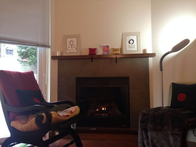 Mindful Space in Kirkland Downtown Lake Washington - Kirkland - Apartment