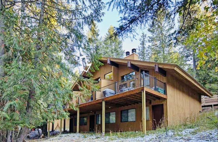 Ptarmigan Village-Whitefish|Steps to Pool/Hot tub