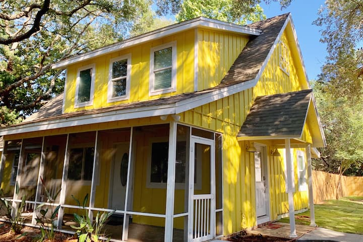 The Gulf Coast Sunflower House steps from the