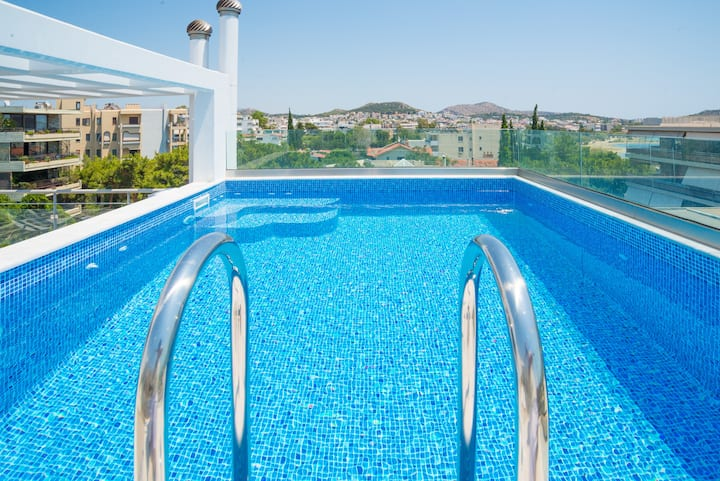 Voula penthouse apartment w/ private swimming pool