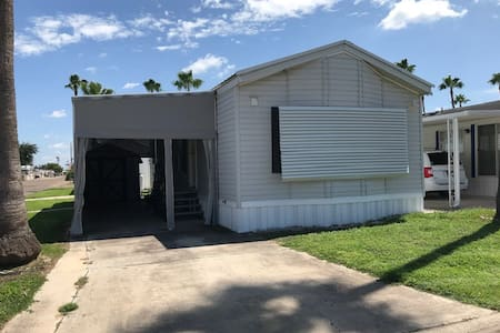 SPACIOUS COTTAGE WITH AWESOME COMMUNITY AMENITIES