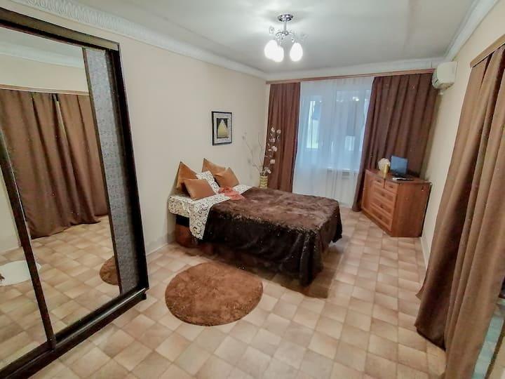 1 комнатная квартира рядом с парком  и пляжем )