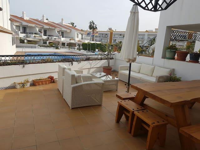 Moderna, reformada y con piscina en Caleta playa - Vélez-Málaga - House