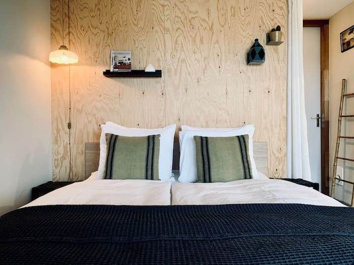Boutique Homestay Amsterdam + free parking