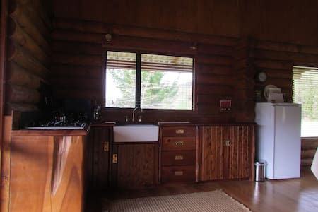Triple Tui self contained Log Cabin - Glenhope