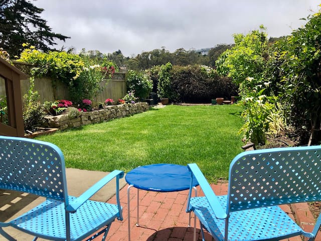 Tranquil Garden Suite w/Private Entry+Parking/BART