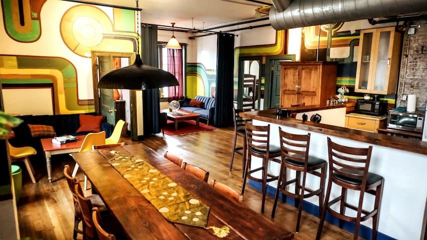 Designer 3 Bedroom Apt - Historic Fire House Loft