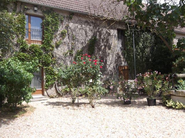 Chambre d'Hôtes La Grange Bernon - La Celle - Inap sarapan