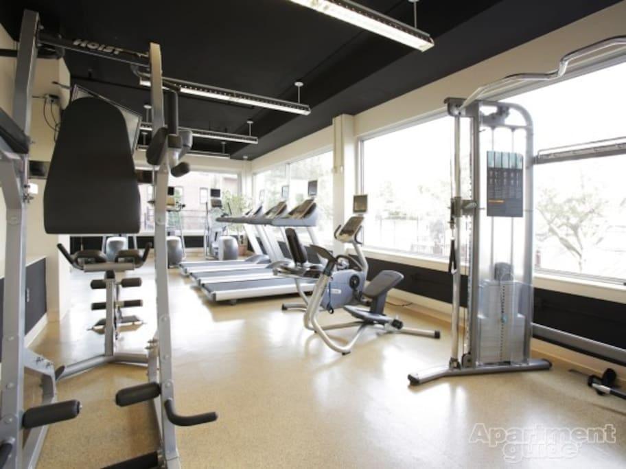 免费健身房