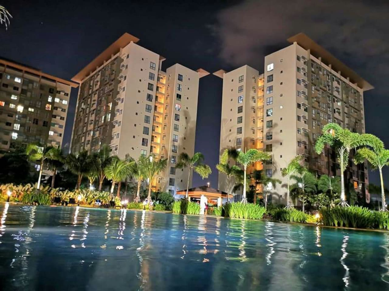 Experience the pool even at night for its relaxing and warm water that soothes what your body needs.