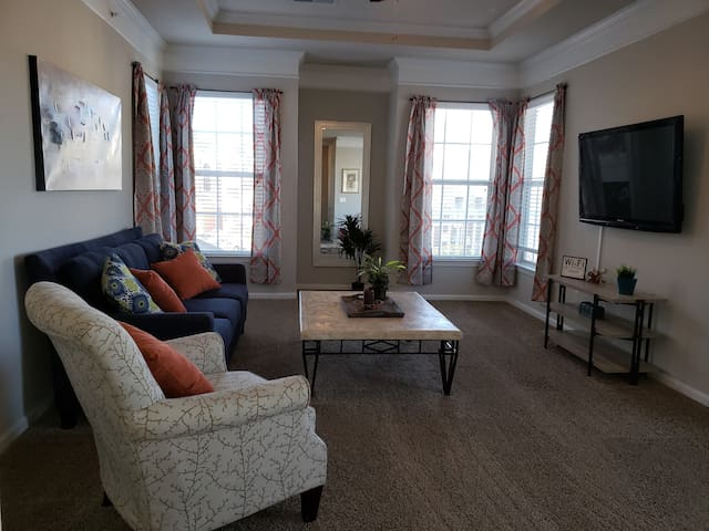 Overland Park Private One Bedroom Apartment