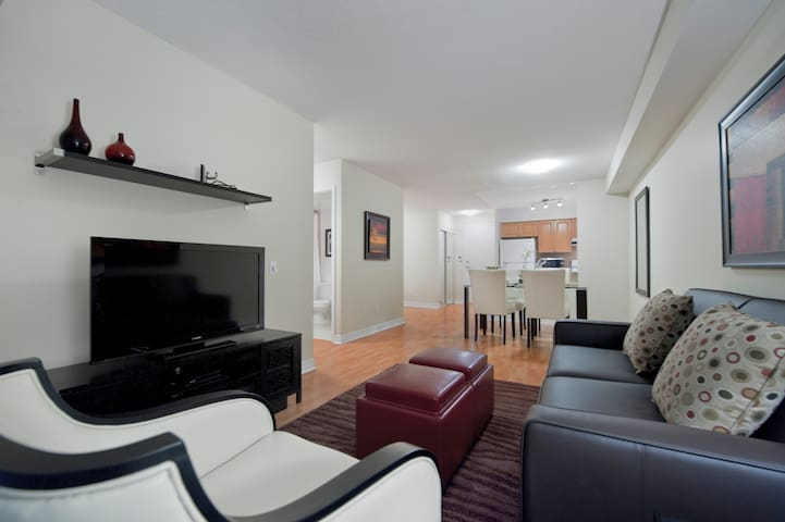 2 Bd/2 Bth-Ready Move-In-Toronto East-Spacious